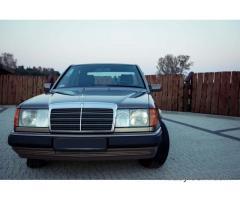 Piękny klasyk Mercedes W124 do ślubu