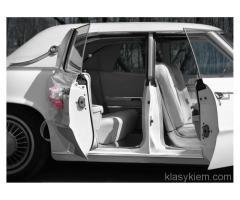 Biały samochód do ślubu