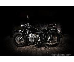 Piękny motocykl do ślubu.